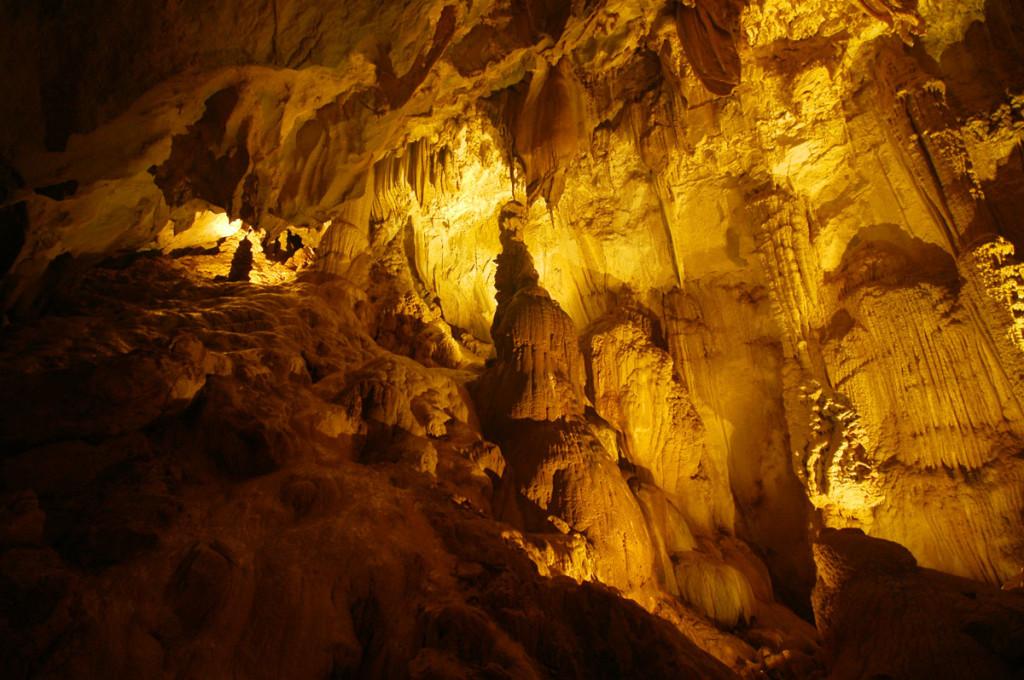 Langs Cave