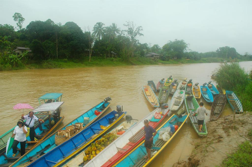 Longboats at Limbang